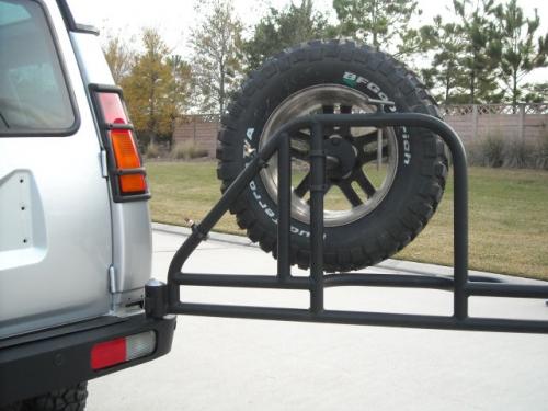 Discovery 2 swing away tire rear bumper swing right